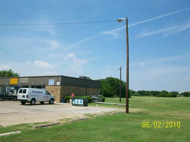 809 Dr Martin Luther Kin Boulevard, Waxahachie TX 75165 - Photo 2