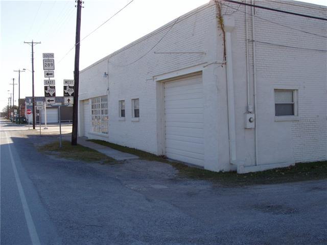 203 W Pecan Street, Celina TX 75009 - Photo 2