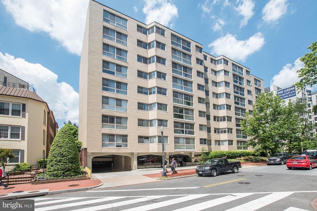 922 24th Street Nw # 813, Washington DC 20037 - Photo 1