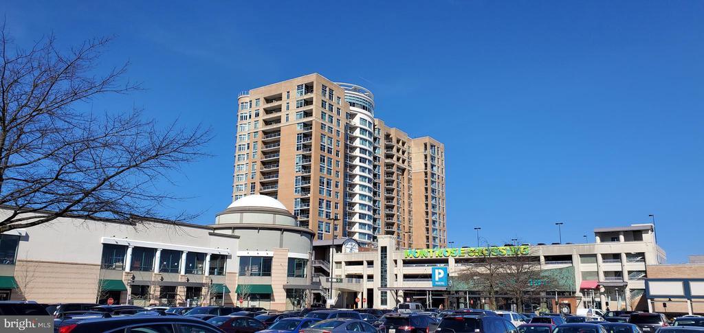 5750 Bou Avenue # 612, North Bethesda MD 20852 - Photo 2