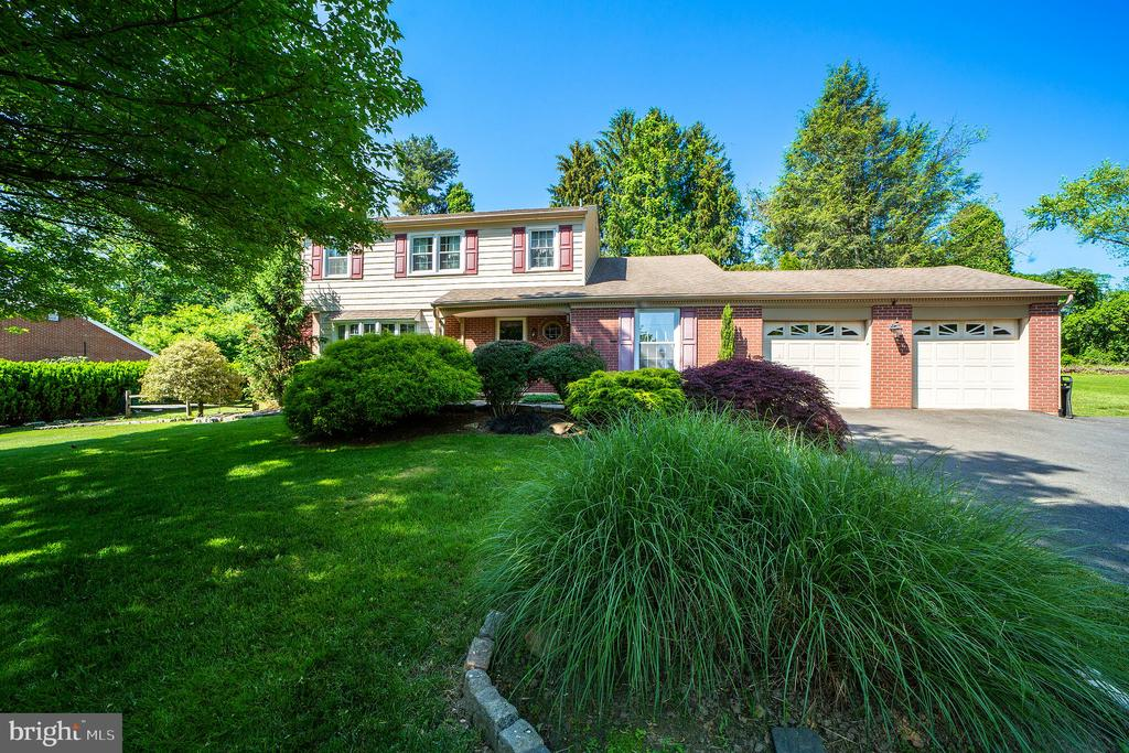1382 Faucett Drive, West Chester PA 19382 - Photo 2