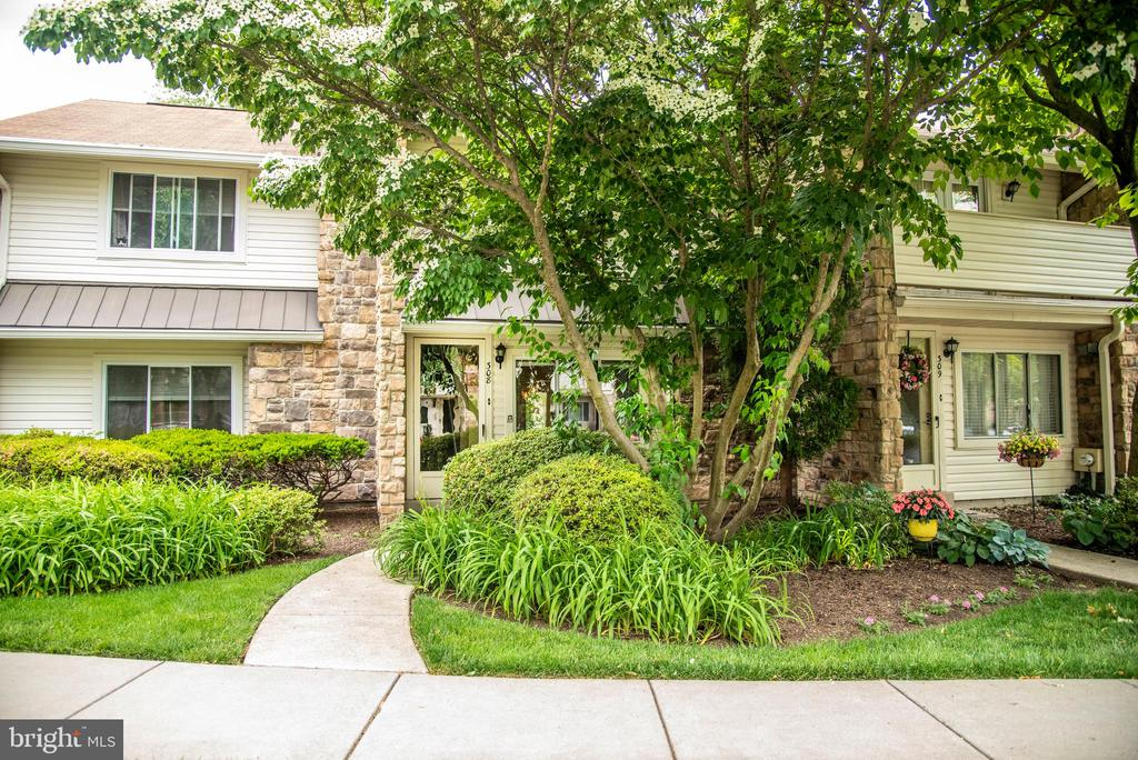 308 Headhouse Court, Chesterbrook PA 19087 - Photo 1