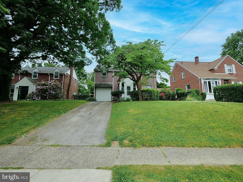 246 Shadeland Avenue, Drexel Hill PA 19026 - Photo 1