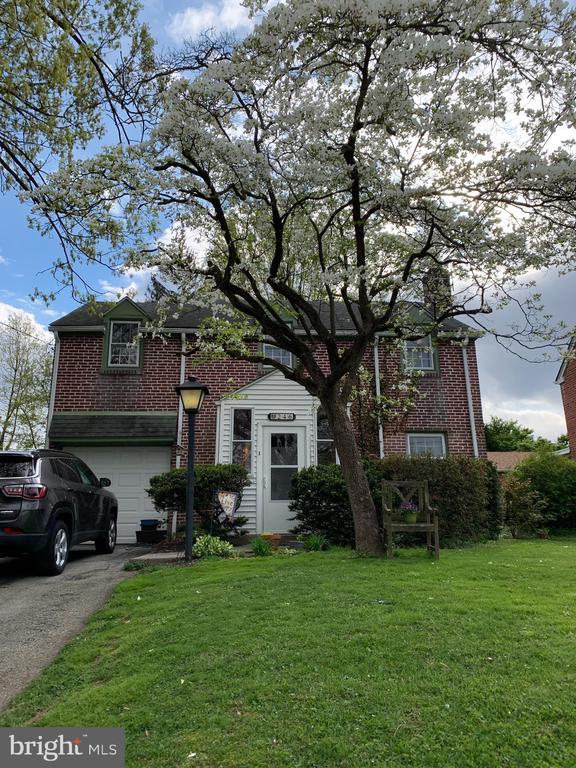 246 Shadeland Avenue, Drexel Hill PA 19026 - Photo 2