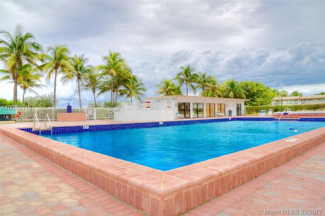 5005 Collins Av # 304, Miami Beach FL 33140 - Photo 1