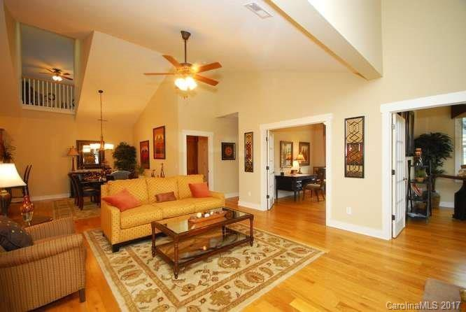 16 Brookstone Place # -r-3, Candler NC 28715 - Photo 2