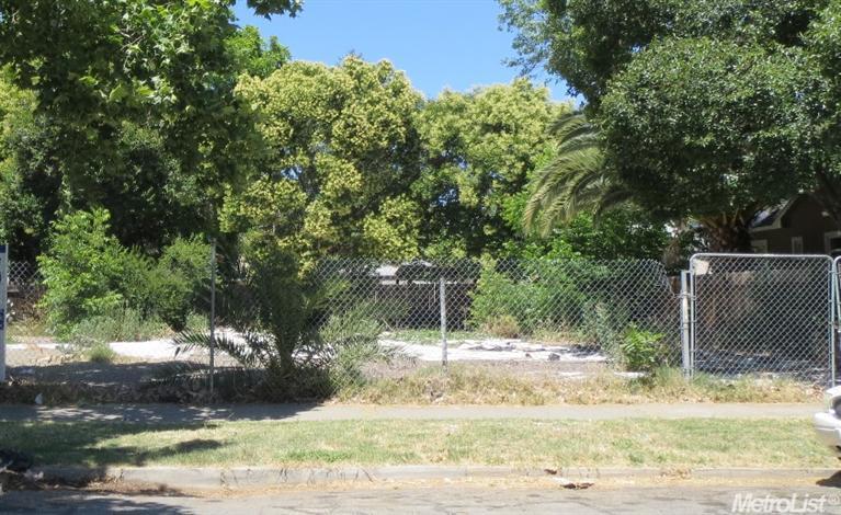 3255 W St, Sacramento CA 95817 - Photo 1