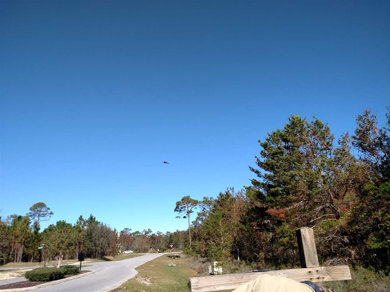 561 Downhaul Dr, Pensacola FL 32507 - Photo 2