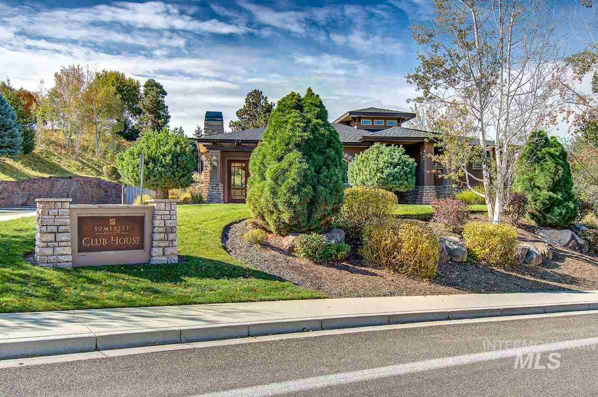 823 E Nature View Ct, Boise ID 83702