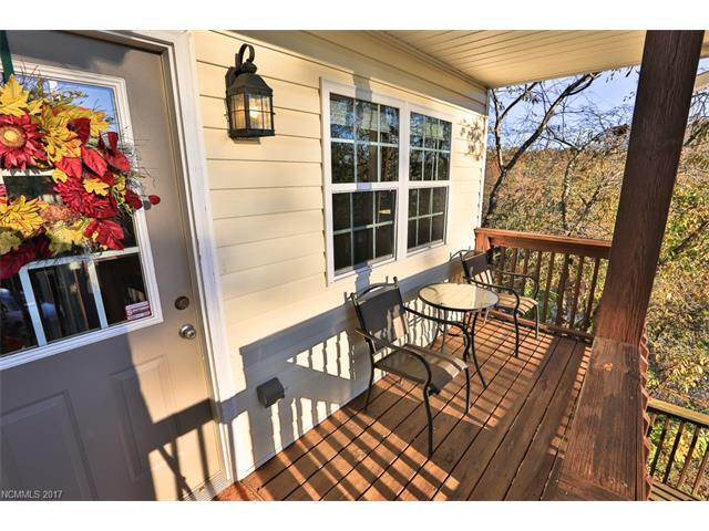 565 Sand Hill Road, Asheville NC 28806 - Photo 2